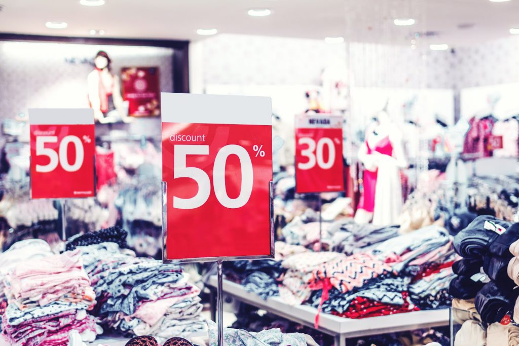 photo of discount sign 2529787